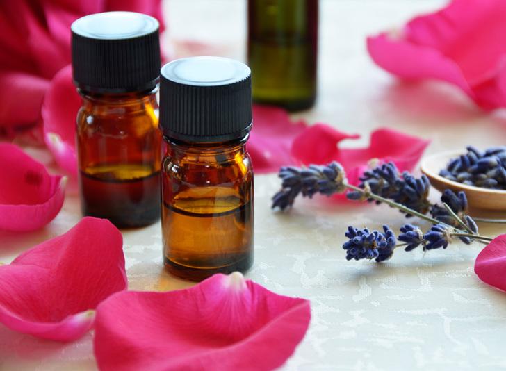 Essential-oils-rose-lavender