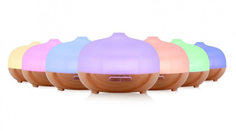essential oil diffuser with color lights